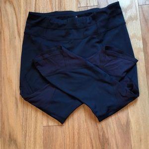 Lightly worn gel mesh sonar Athleta medium navy